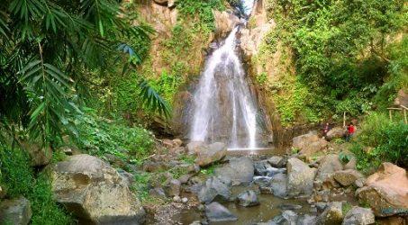 Wisata Coban Kethak Menggunakan Travel Batu Surabaya